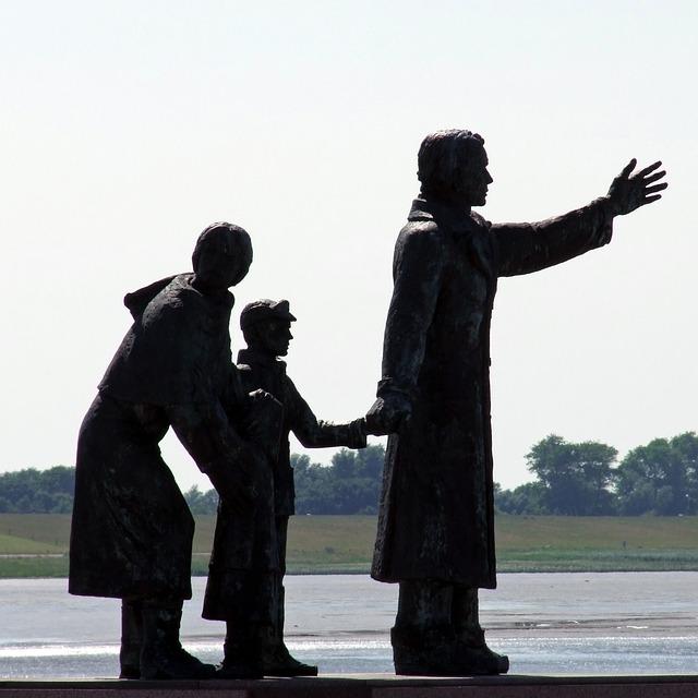 escultura emigrantes
