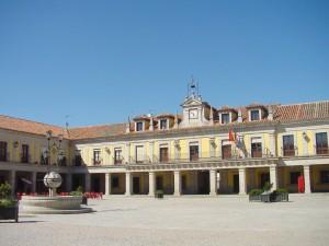 Ayuntamiento_y_Plaza_Mayor_de_Brunete