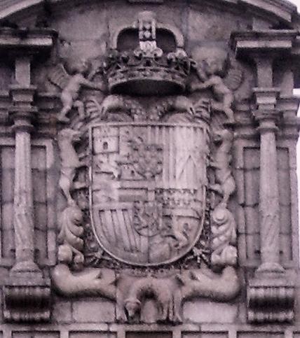 Escudo_Carlos_II_Ayuntamiento_de_Ponferrada