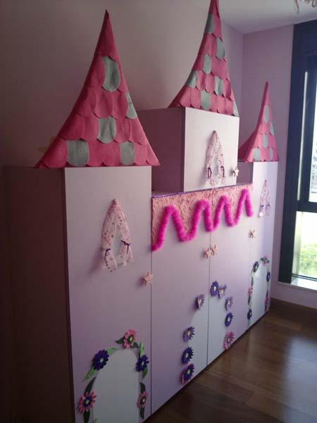 """Armario castillo-princesas para una gemelitas la mar de """"princesas""""."""