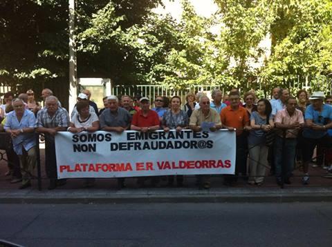Manifestación da Plataforma de Emigrantes Retornados en O Barco