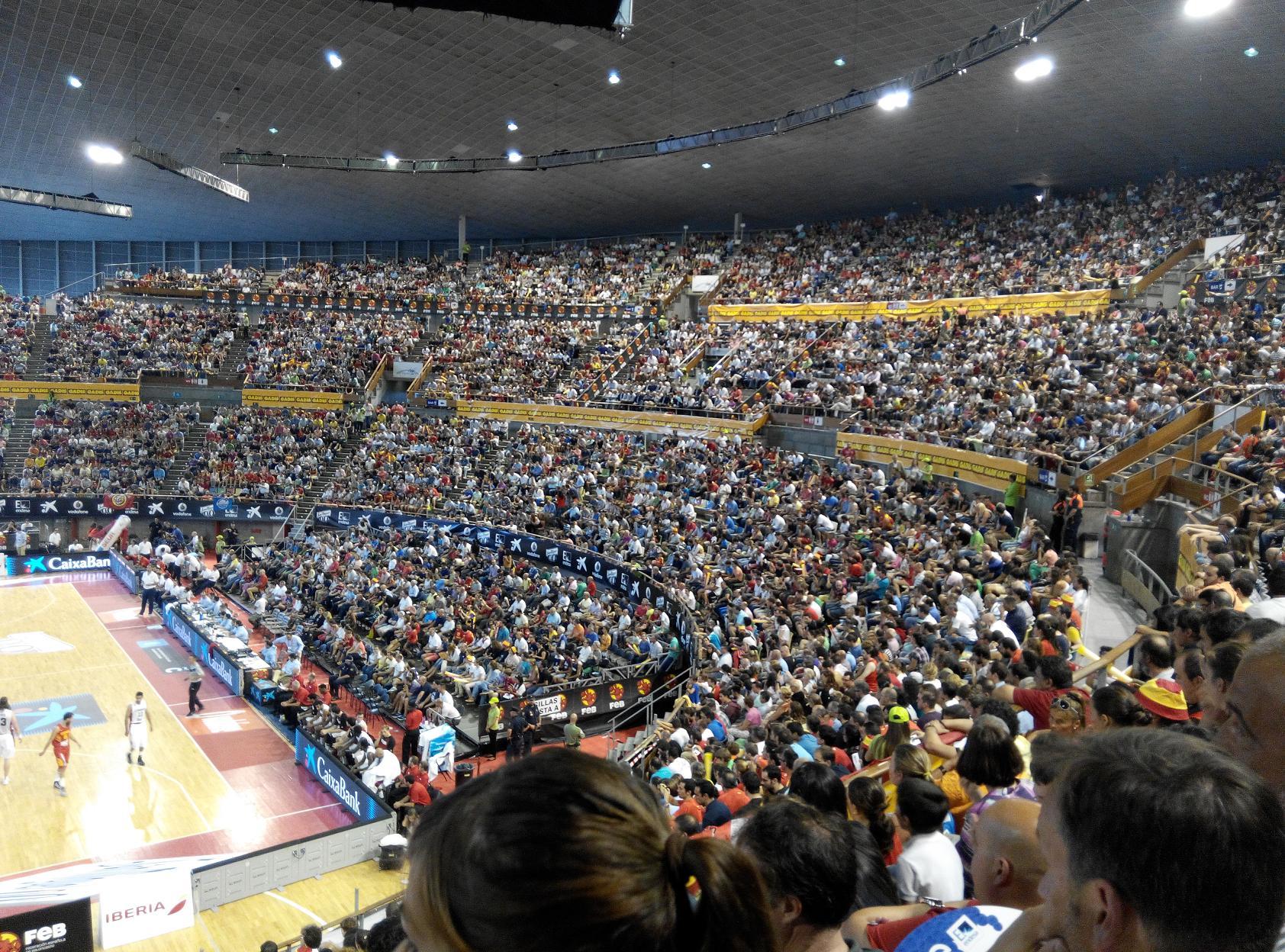 Coliseum de A Coruña Partifo de la selecci´pon Española de Baloncesto