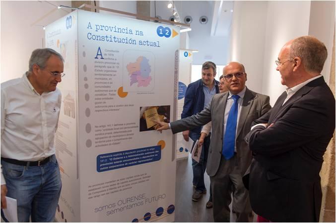 A exposición 180 anos de historia provincial visita Verín