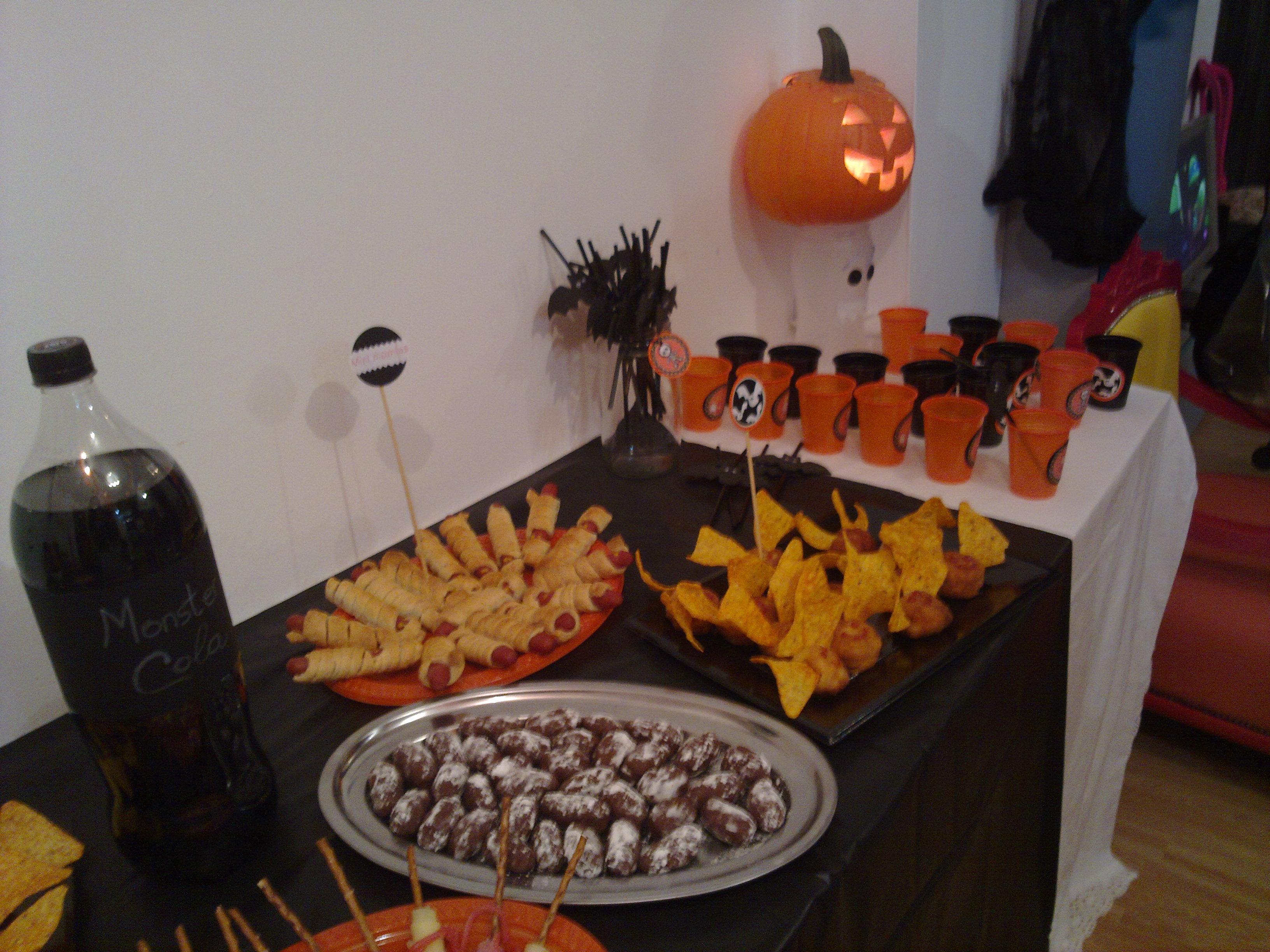 Mesa ambientada para Halloween