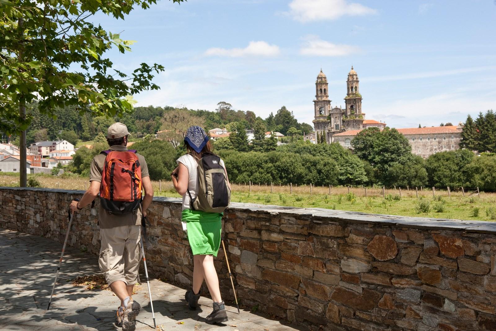Peregrinos llegando a Santiago de Compostela