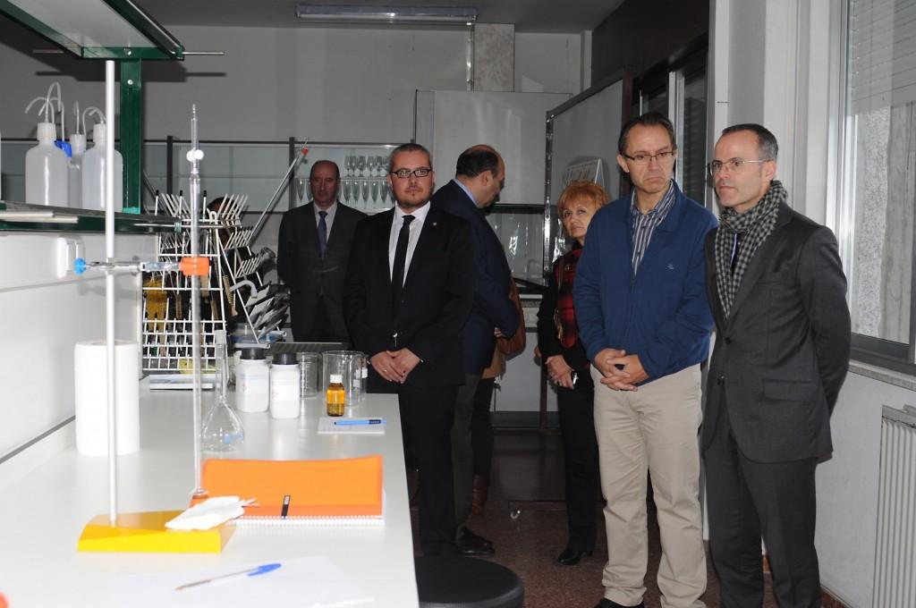 A Consellería de Cultura e Educación, investiu máis de 36.000 euros en material , IES O Ribeiro, Ribadavia