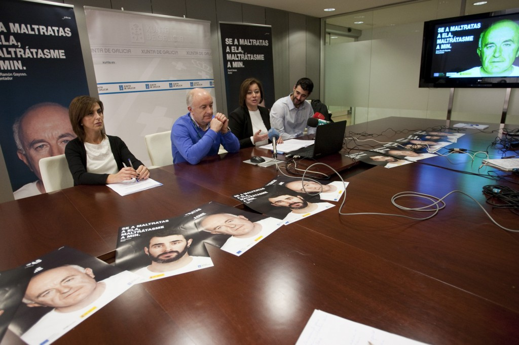 O presentador Xose Ramón Gayoso e o humorista David Amor porán rostro á campaña da Xunta contra a violencia de xénero