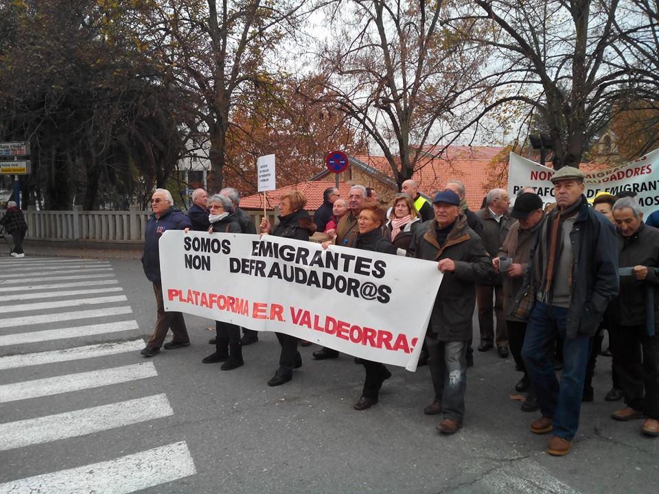 Marcha en Ourense do colectivo emigrantes retornados