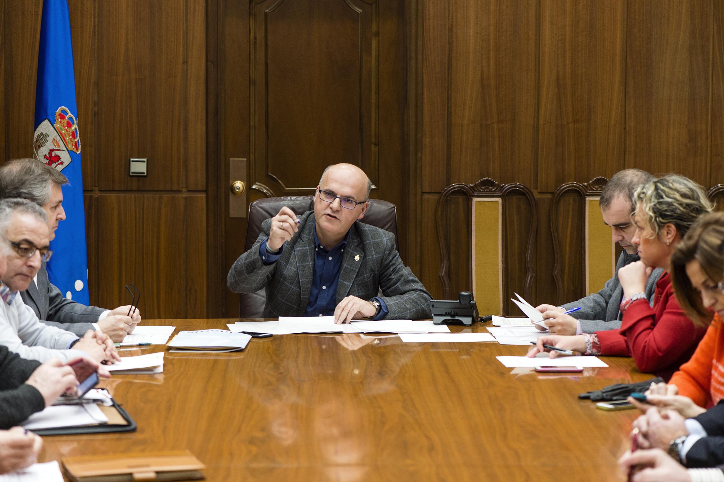 Manuel Baltar presidiu a reunión  do Consello Reitor do Inorde
