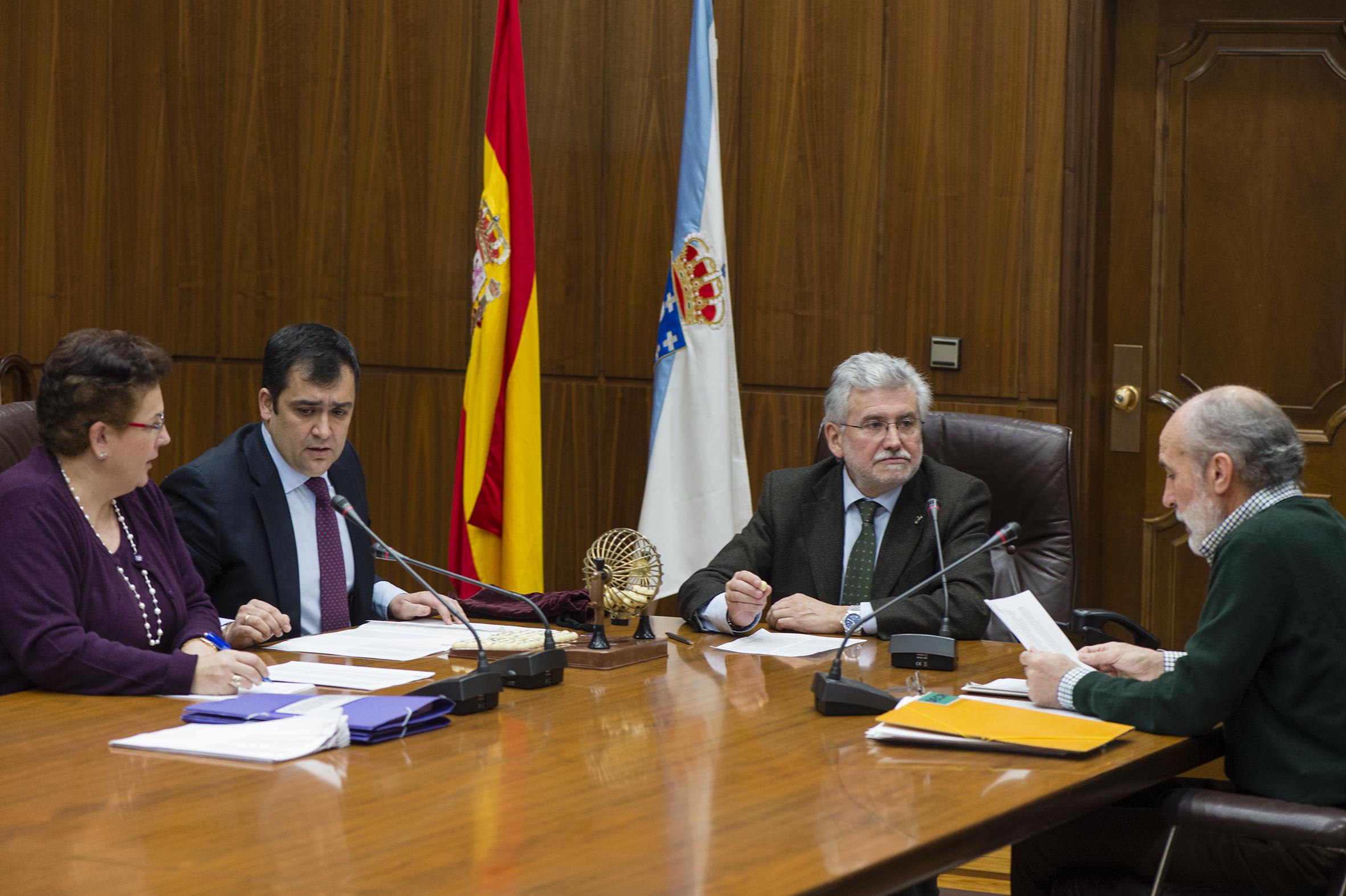 Sorteo dos membros para os tribunais da oferta de emprego de 2013.