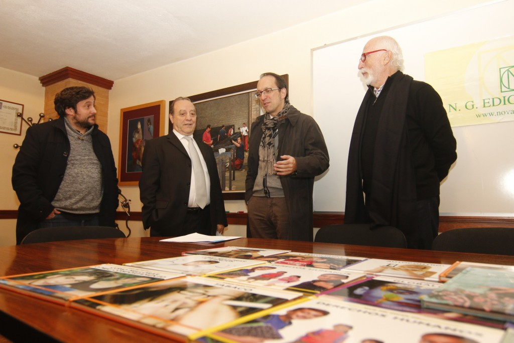 Anxo Lorenzo visitou hoxe a sede de Nova Galicia Edicións en Vigo