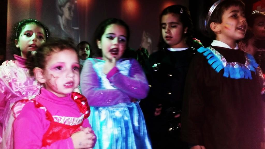 Los más pequeños de fiesta en la sala Baranda de O Barco