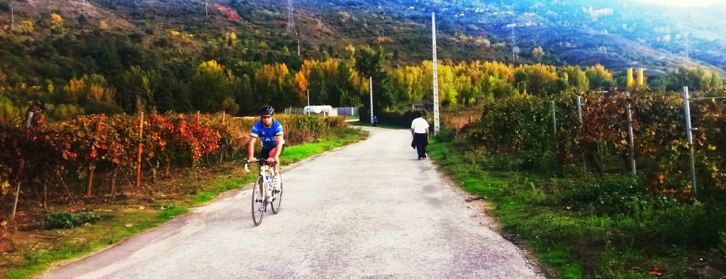 A pie o en bicicleta, muchas personas hacen deporte en este entorno