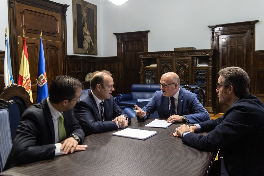 Manuel Baltar e os representantes da CEO