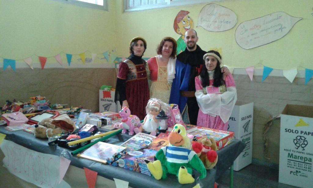 María José junto a otros miembros del AMPA, Marcos, Carmen e Isabel
