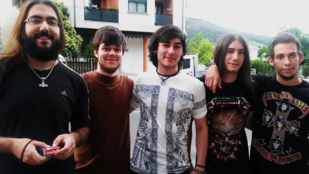 De izquierda a derecha: Rober Fernández, Diego López, Jorge Fernández, Samuel Encina y Diego Barja (Púas)
