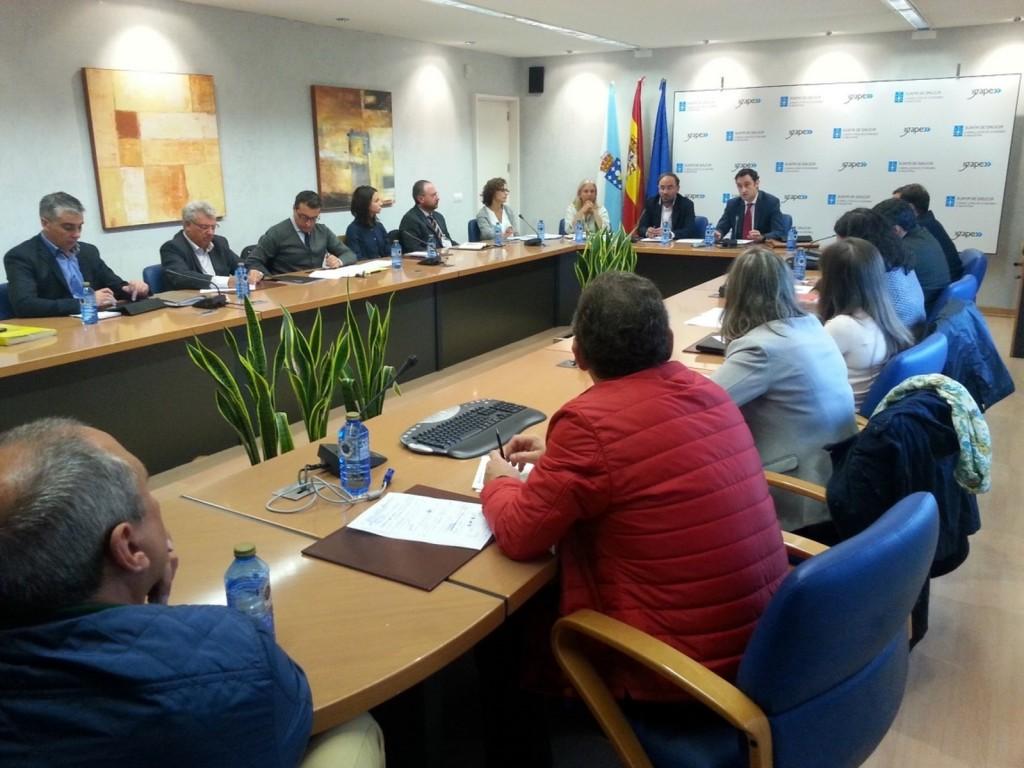 El director del Igape, Javier Aguilera, se reunió con representantes de los 17 clústers y asociaciones empresariales