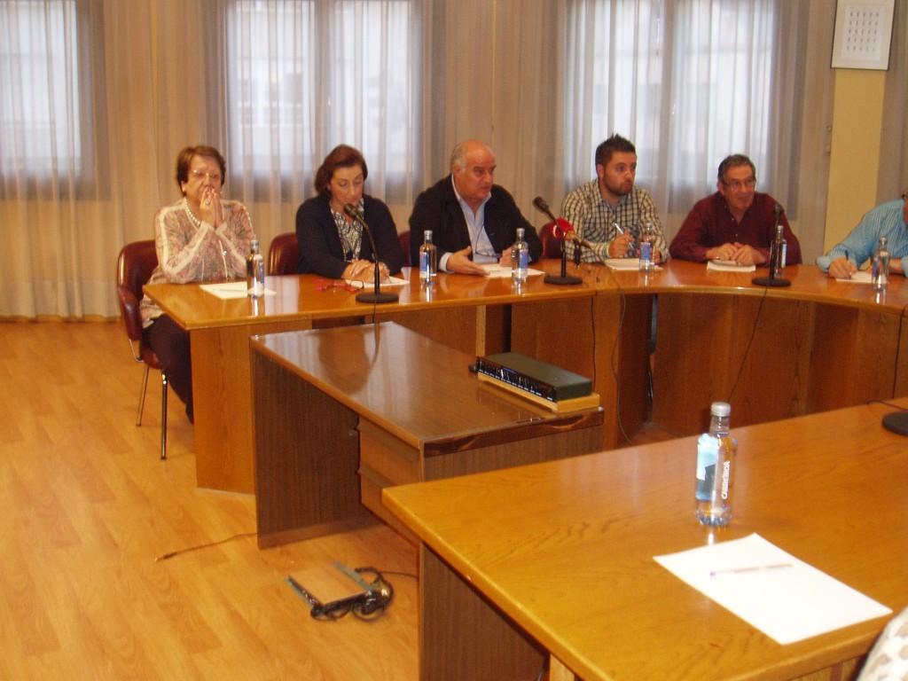 Avelino y el grupo municipal del PP de A Rúa