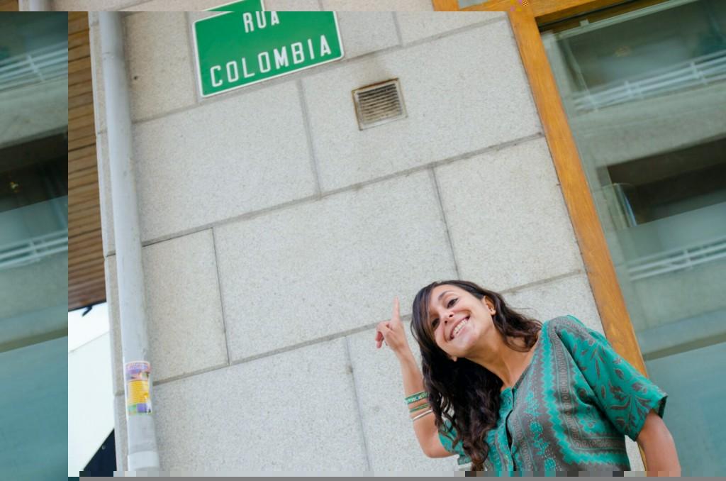 Eva Abal en la calle Colombia de A Rúa, donde vive, esta semana