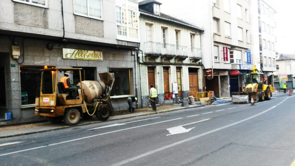 Obras de abastecimiento en A Rúa