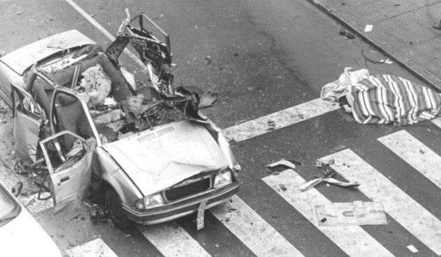 Vehículo de Cortizo tras el atentado. Fuente: Diario de León