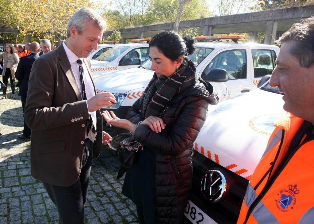 O vicepresidente da Xunta, Alfonso Rueda fixo entrega onte na sede da Academia Galega de Seguridade Pública de 42 vehículos todo terreo tipo pick-up destinados ás Agrupacións de Voluntariosa de Protección Civil