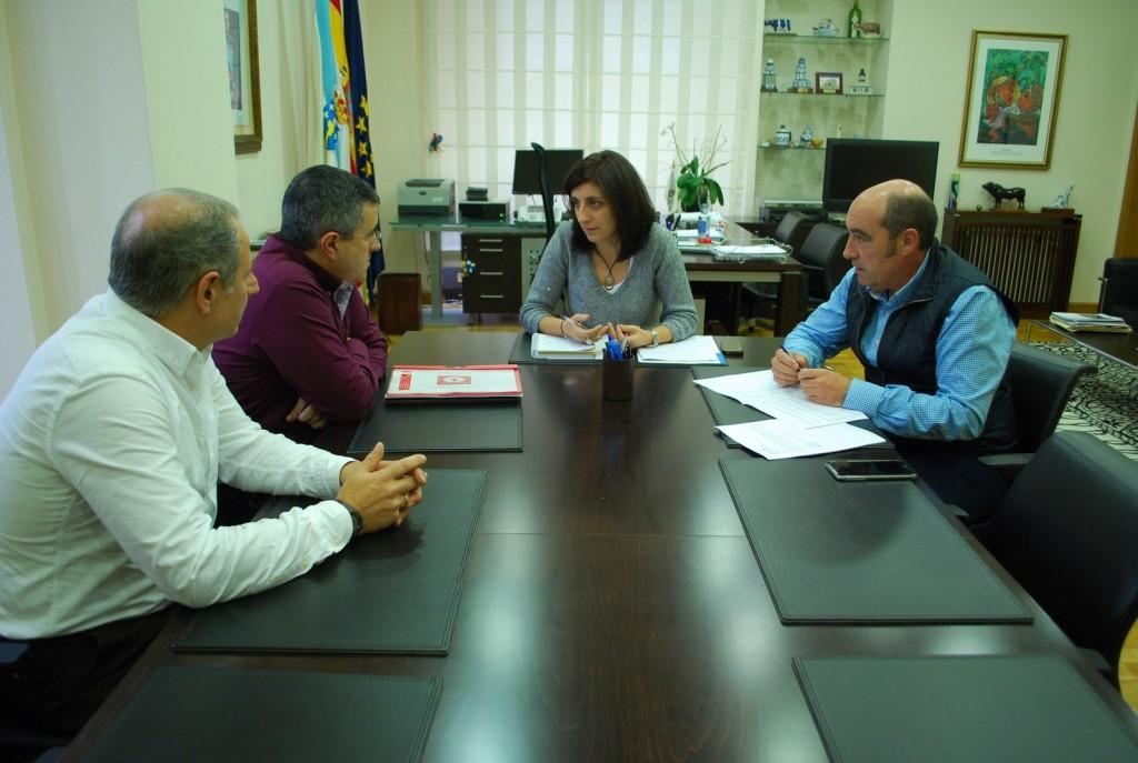 Ángeles Vázquez en la reunión con el presidente de Ternera Gallega