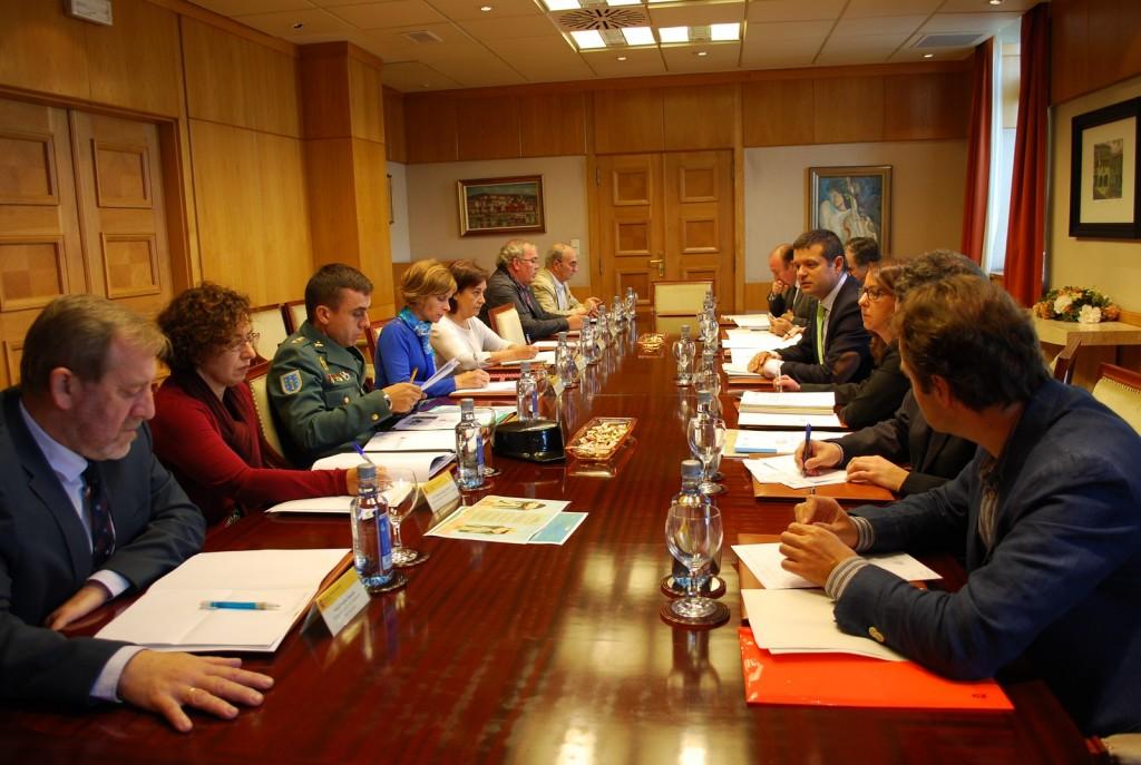 A sede da Delegación do Goberno en Galicia acolleu onte a segunda reunión da Comisión de Seguridade Viaria nos Camiños de Santiago
