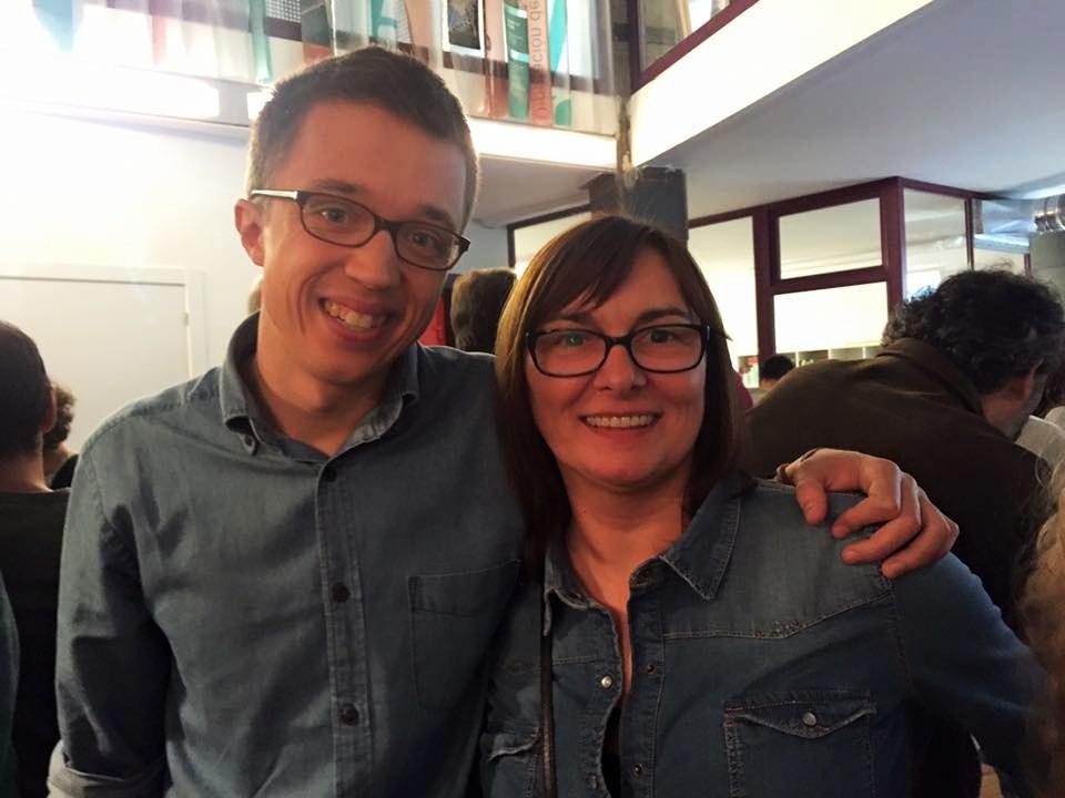 Carmela Docampo con Iñigo Errejón