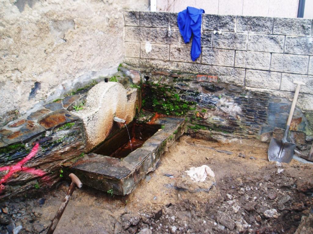 Fuente del entorno de la iglesia de Sobradelo