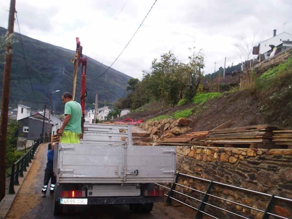 Obreros en el Camiño de Inverno de Sobradelo