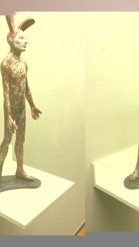 Una de las esculturas de Prieto