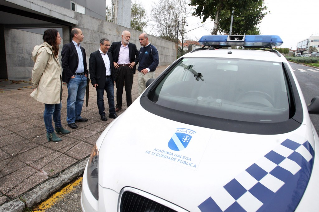 El director general de Emergencias e Interior, Luis Menor, asistió hoy a la salida de una de las prácticas del Curso de conducción de vehículos en servicio de emergencias Autor: Conchi Paz