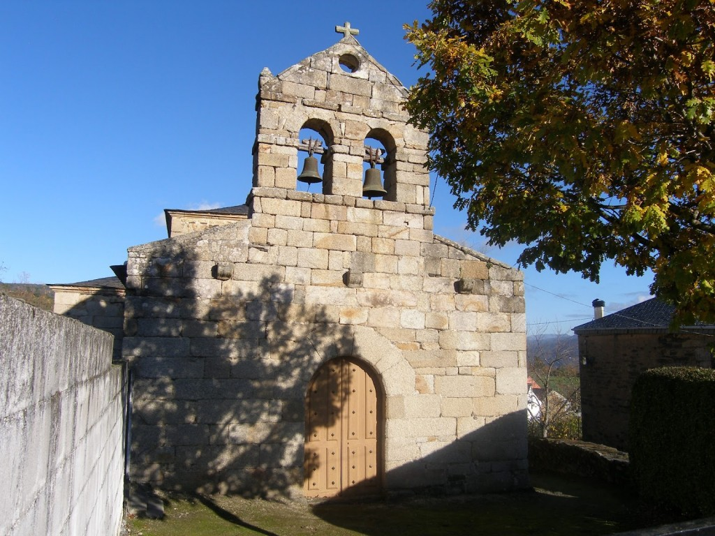 Exterior de la iglesia de Roblido