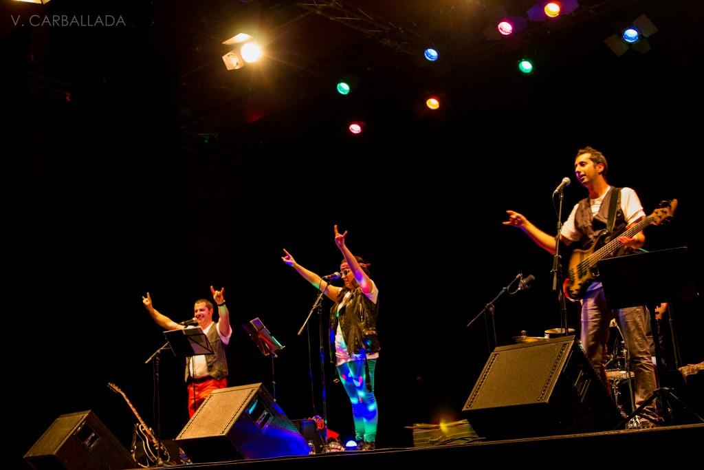 A Gramola Gominola (Paco Cerdeira, Paula Romero y Anxelo de Xermar) actuarán en A Rúa el día 2 de enero