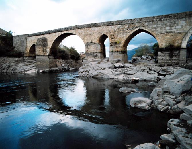 """Itinerario """"Por las tierras de la D.O. Valdeorras"""" Puente en Petín. Valdeorras"""