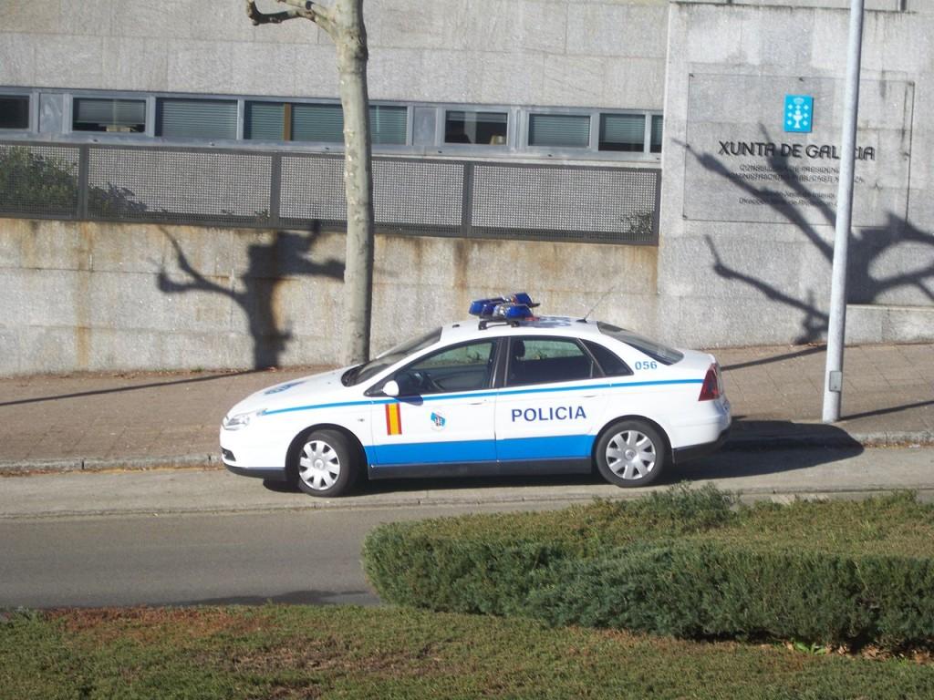 «Vehículo Policía Autonómica Galega» O pimpín