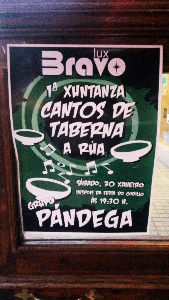 Cartel estampado  en un local de A Rúa