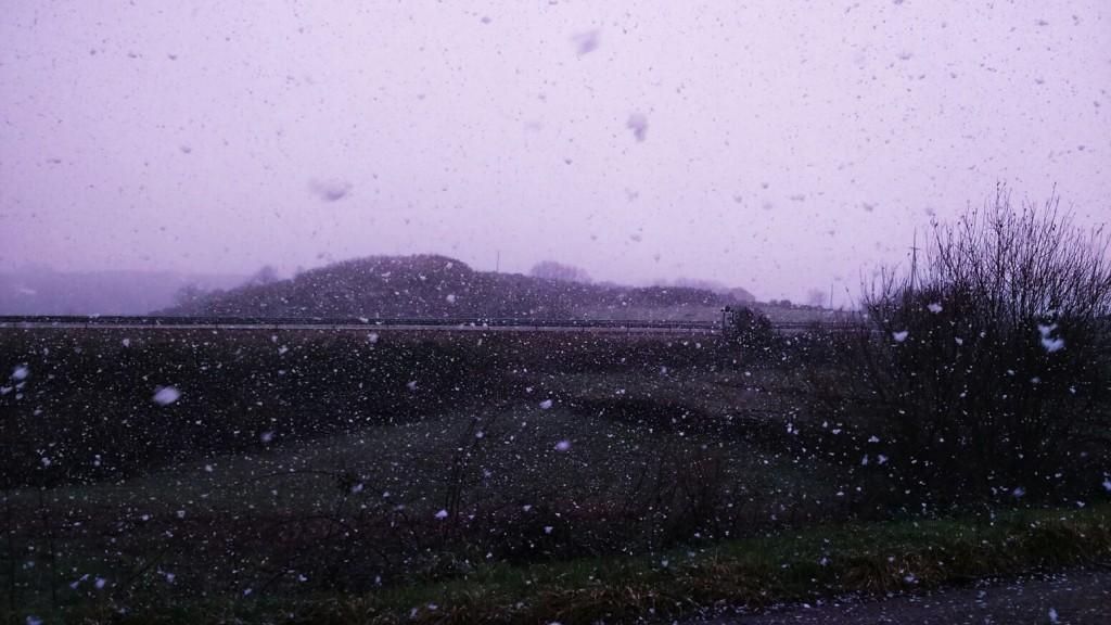Copos de nieve cayendo en Viana