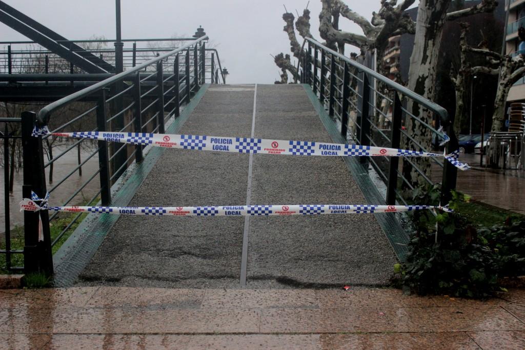 Corte en el acceso de la pasarela a O Salgueiral