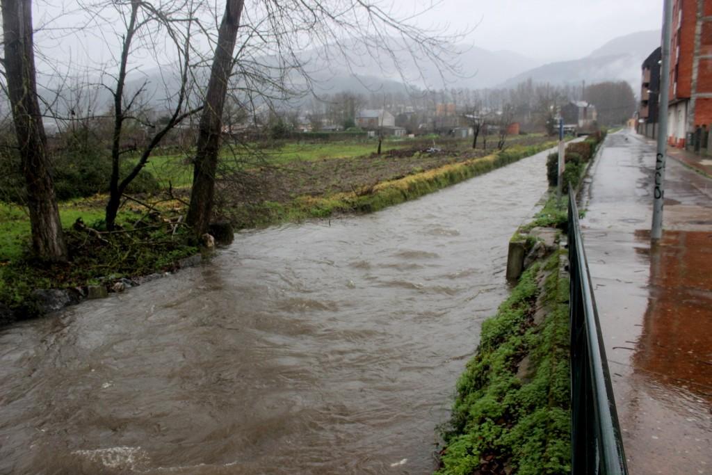 Desbordes parciales en la zona de Calabagueiros