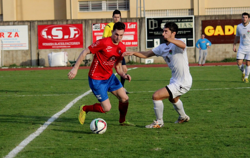 Borja trata de irse de un jugador del Boiro
