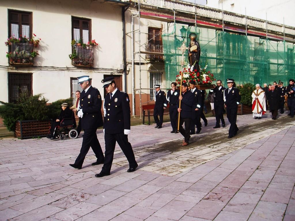 La procesión a su paso por la Plaza