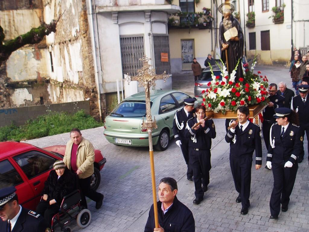 La procesión de San Mauro por el casco viejo