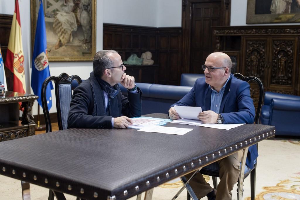 Manuel Baltar e Jesús Vázquez durante o encontro no Pazo Provincial