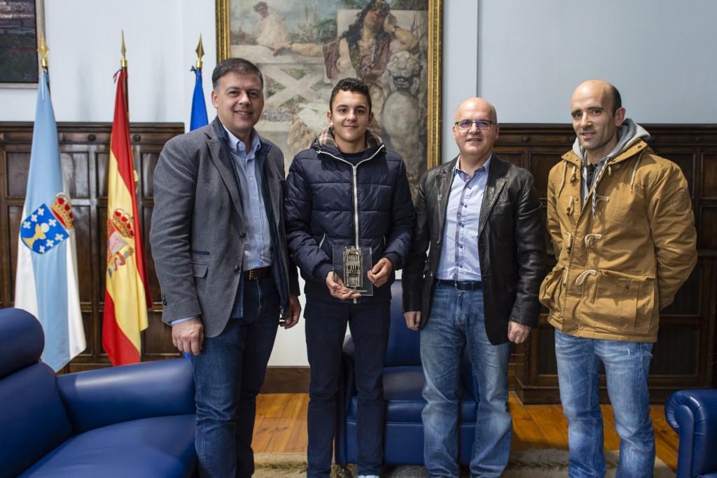Manuel Baltar recibe ao subcampión junior de ciclocross Iván Feijóo