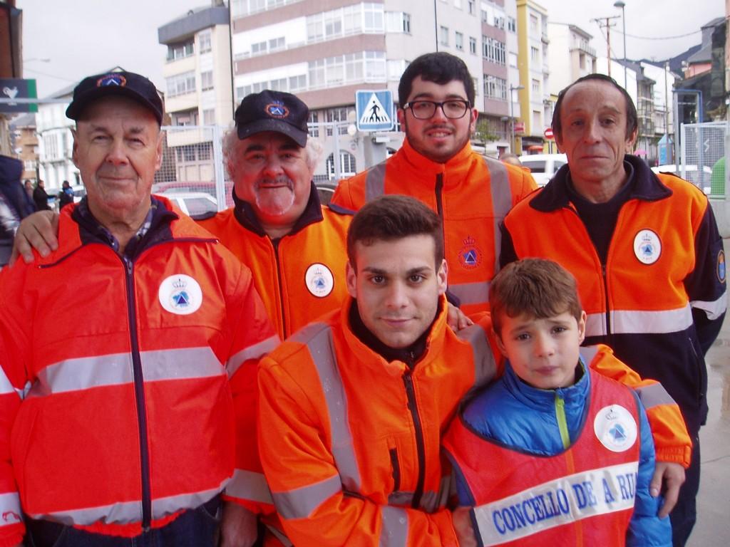 Miembros de Protección Civil de A Rúa
