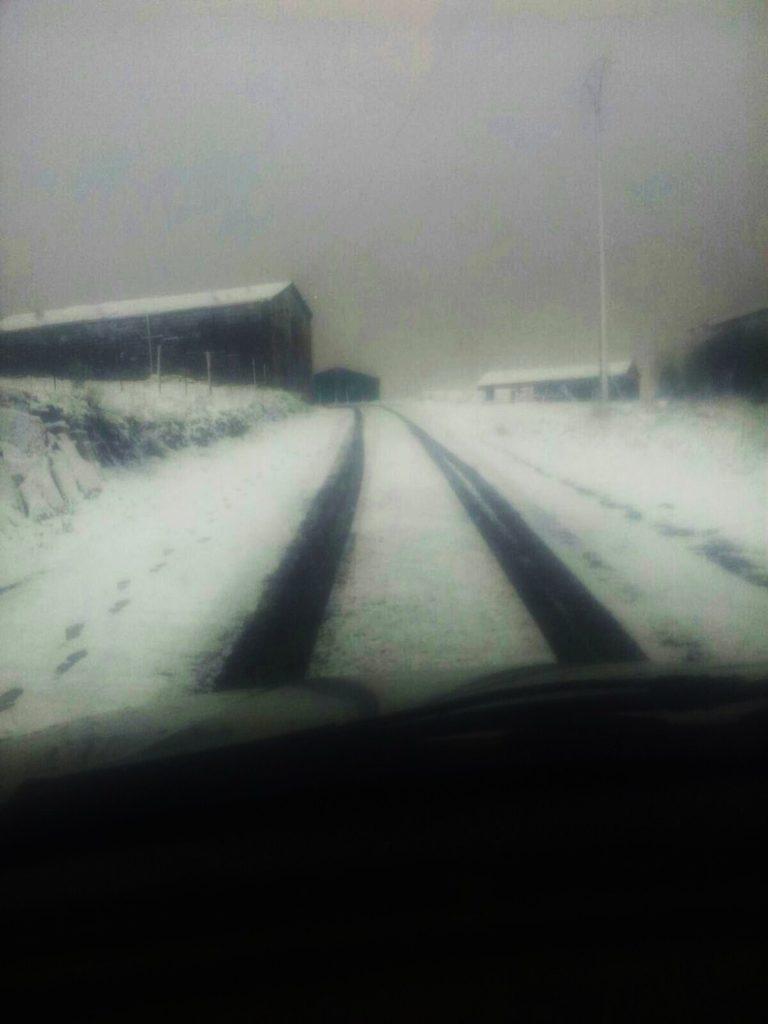 Nieve que cuajó en Vilariño de Conso