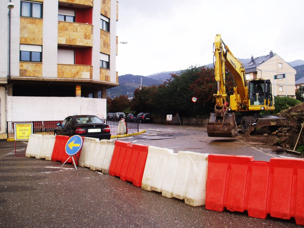 Obras para la dotación de un paso subterráneo en O Barco