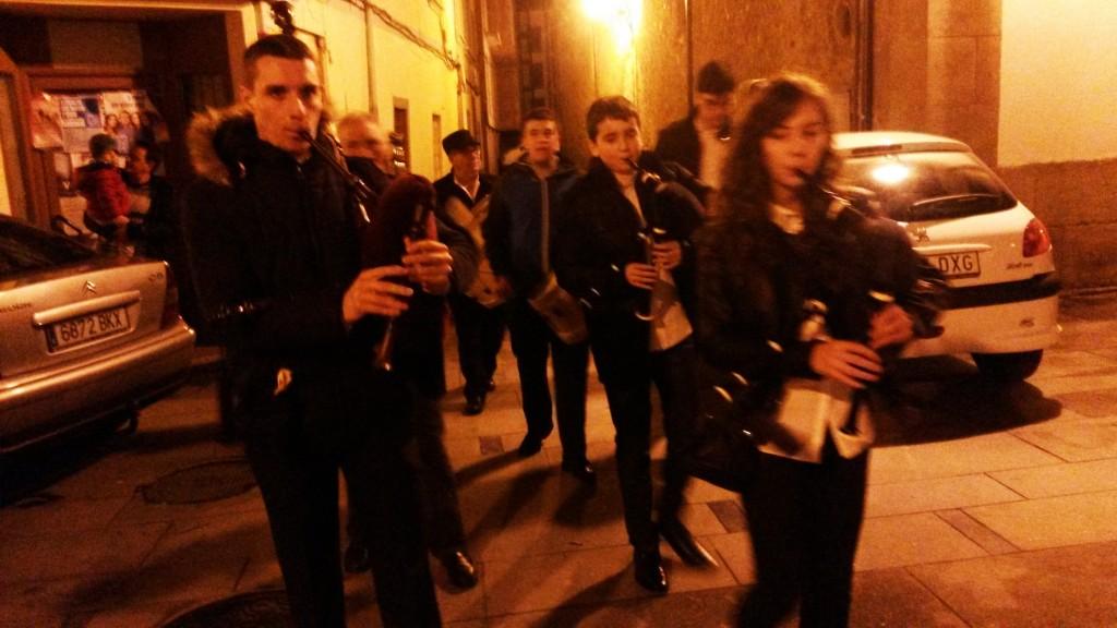 Otro grupo por las calles de O Barco
